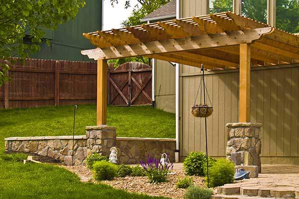 Natural Wood Deck Builder of Kansas City